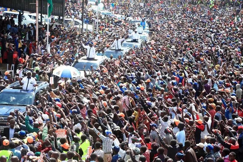 Raila Odinga avamia ngome ya william Ruto kwa ahadi za ajabu