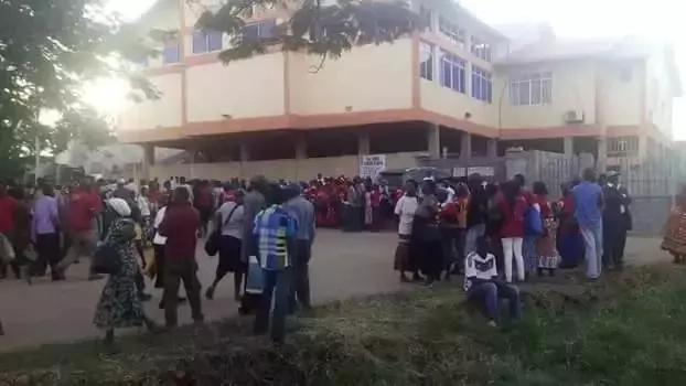 Je, Jubilee iliwasafirisha watu kutoka Tanzania kuhudhuria mkutano wa Tononoka? (Picha)
