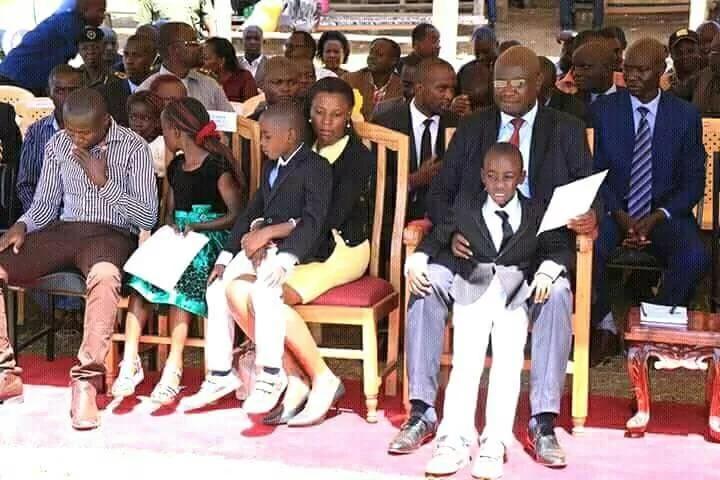 Picha za gavana wa Bungoma na familia yake katika hafla ya kitaifa zilizowaudhi Wakenya