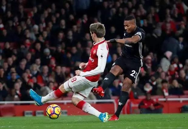 Mourinho hails 'world best' De Gea as United beat Arsenal
