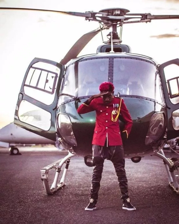 Eric Omondi show up for a party aboard a helicopter