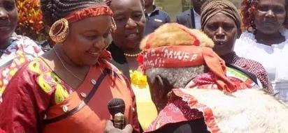 Wazee wa jamii ya Wakikuyu wakatiza ghafla furaha ya Anne Waiguru