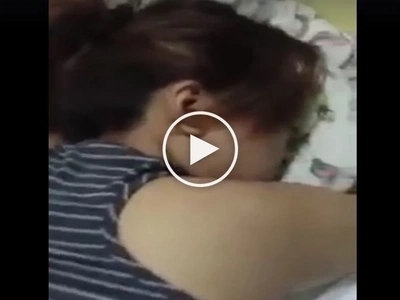 So this is the best way to wake up a sleeping friend now? Netizen shares video of her 'bes' waking up to crush's phone call