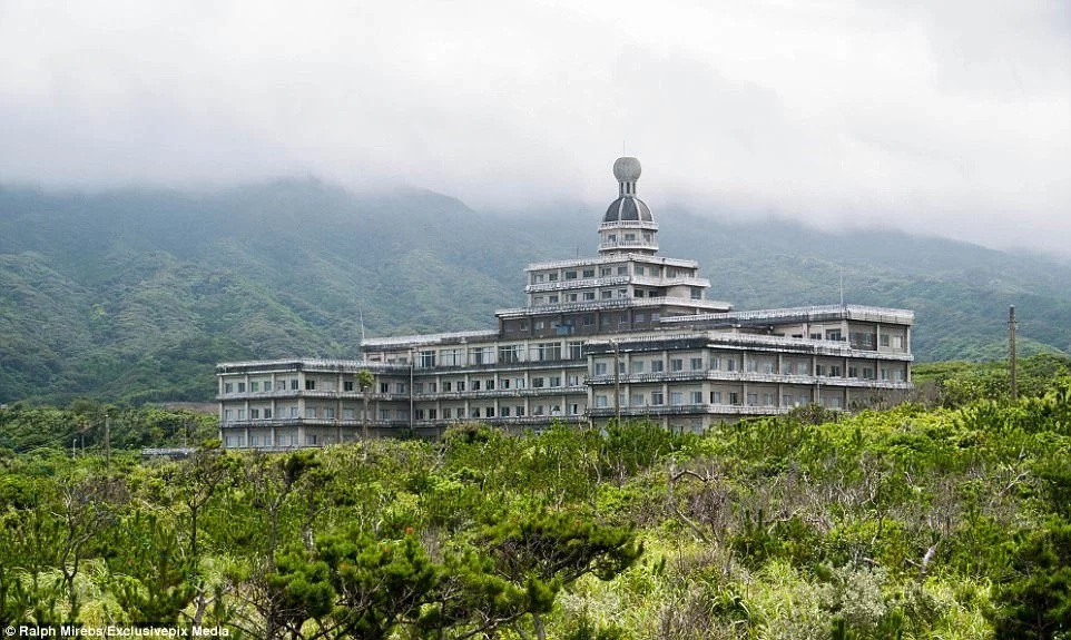 abandoned-hotel-surprise
