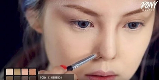 This amazing Korean beauty blogger transforms herself into Taylor Swift!