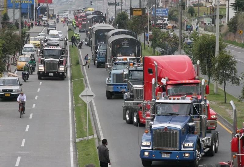 Rifirrafe entre partidos políticos por paro camionero