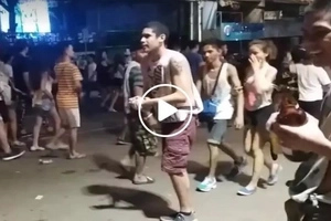 Netizen introduces hilarious high-five scam during Sinulog parade in Cebu