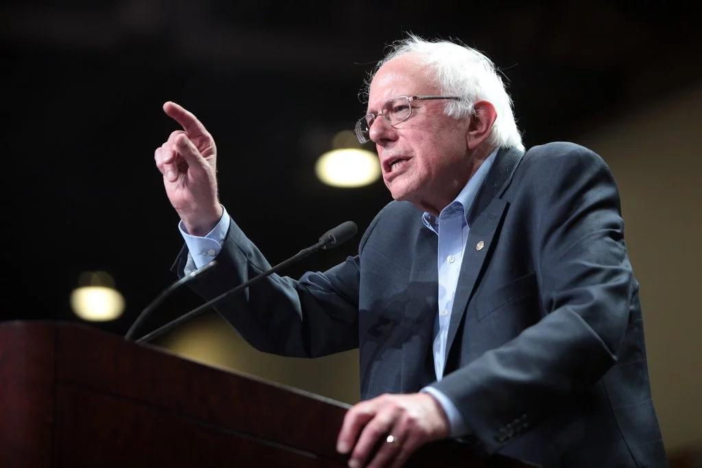 Sanders se suma a la campaña de Hillary Clinton