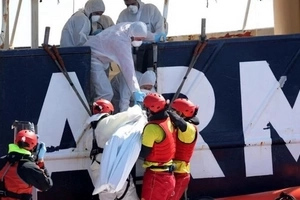 250 Africans fleeing for better life feared dead on Black Day in Mediterranean sea (photos)
