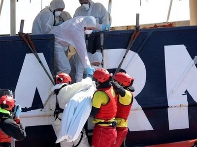250 African men feared DEAD after trying to cross Mediterranean to find asylum in Europe (photos)