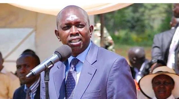 Jamaa Mkenya aizuilia gari la mbunge wa Jubilee lililokuwa likiendeshwa visivyo