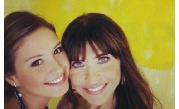 Los pro y los contra de las selfies si eres Lorena Meritano