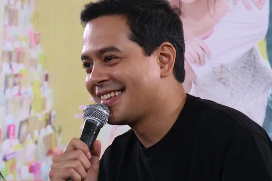 Star Magic head Johnny Manahan defends Lloydie