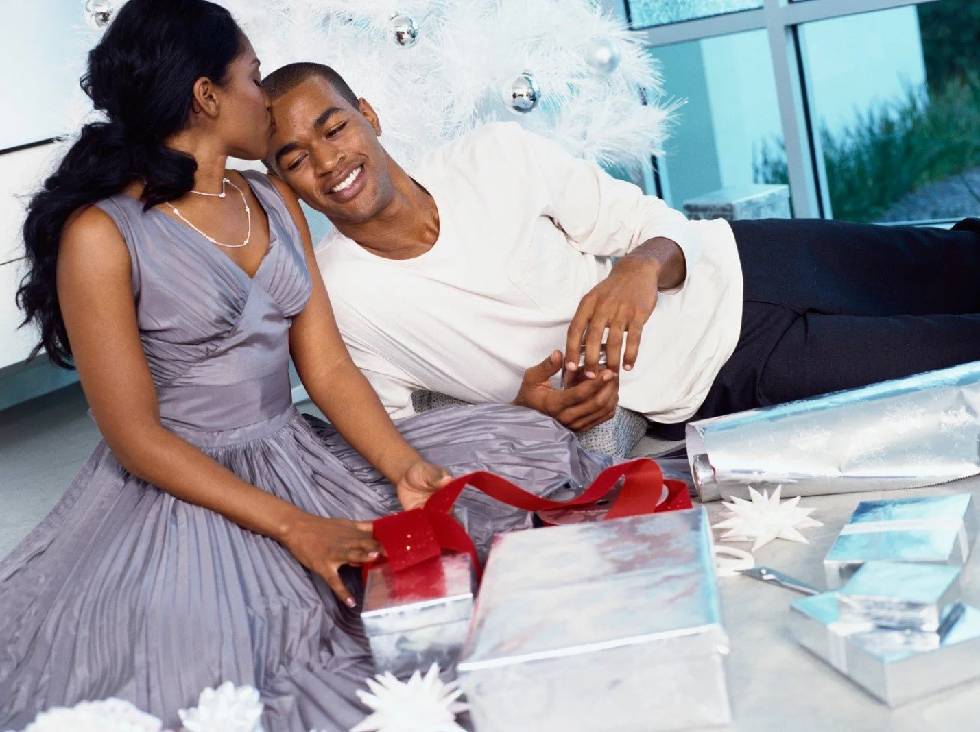 6 sweet things men do after the wedding