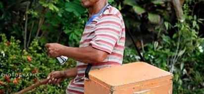 This BLIND 62-year old who sells ice and balut will inspire you