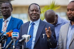Raila yet again calls another press conference and tells Uhuru Kenyatta this