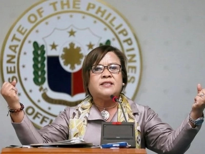 Di bale na lang! De Lima refuses to honor show-cause order of the House's kangaroo court