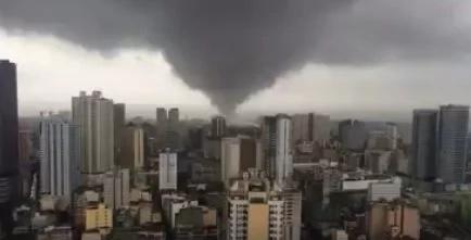 VIDEO: Giant tornado sweeps Manila