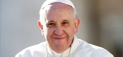 Pope Francis thanks actress Rita Avila for her special gift