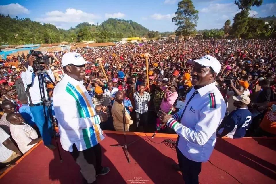 Sababu iliyomfanya Raila kumpongeza mwanachama mkuu wa Jubilee