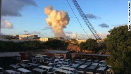One gunman killed after siege on Somalia hotel