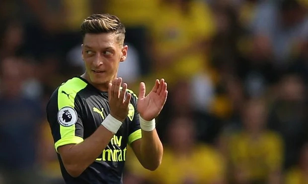 Mesut Ozil praised by Arsenal manager after victory