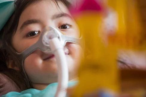 Niña de 5 años pide morir en lugar de ser hospitalizada