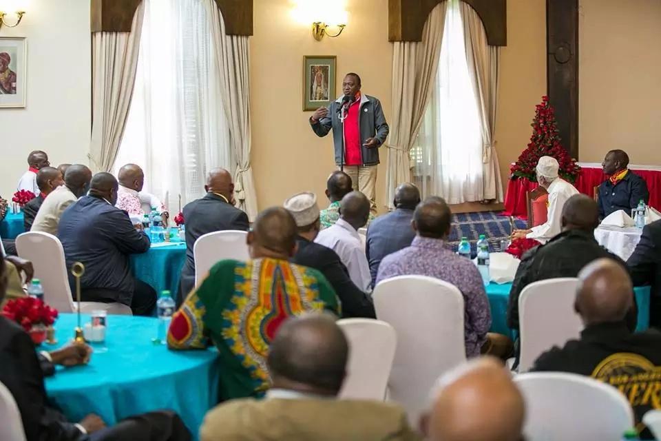 Wakenya wamfokea rais Uhuru kuhusiana na ufisadi wa maafisa wa polisi wa trafiki