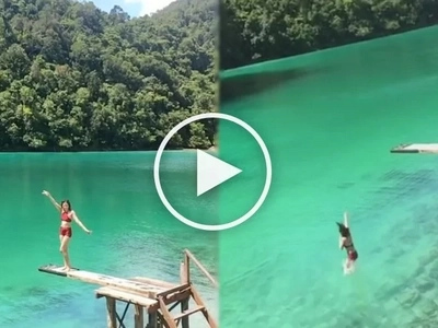Alex Gonzaga surrenders to 'sibling pressure' and jumps in this beautiful lagoon
