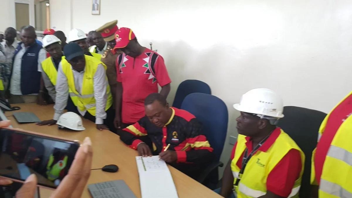 5 main Maasai clans endorse Uhuru Kenyatta