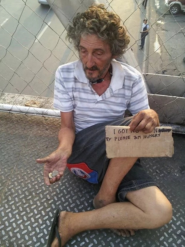 Pinay wife leaves this Italian begging in the streets