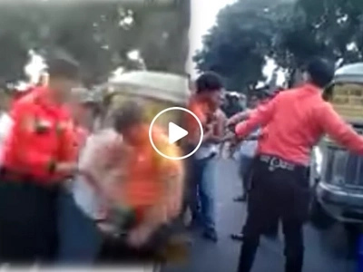 Traffic enforcers bully and beat jeepney driver in Las Pinas