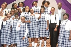 Gloria Muliro wore primary school uniforms and Kenyans thought it was a class 8 girl (photos)