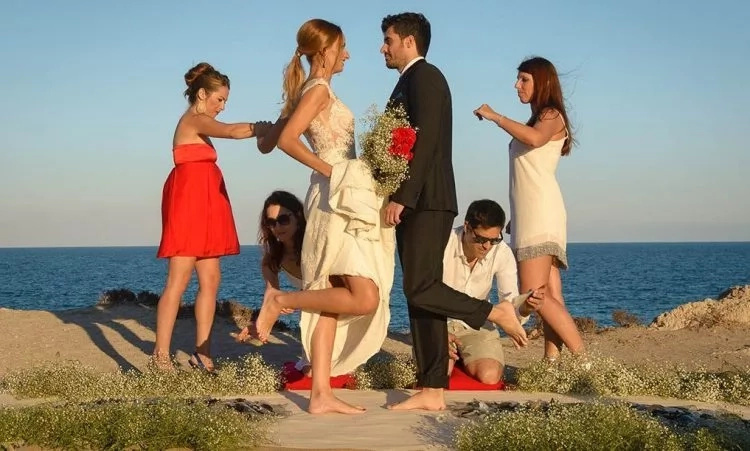 See this new weird wedding trend (photos, video)