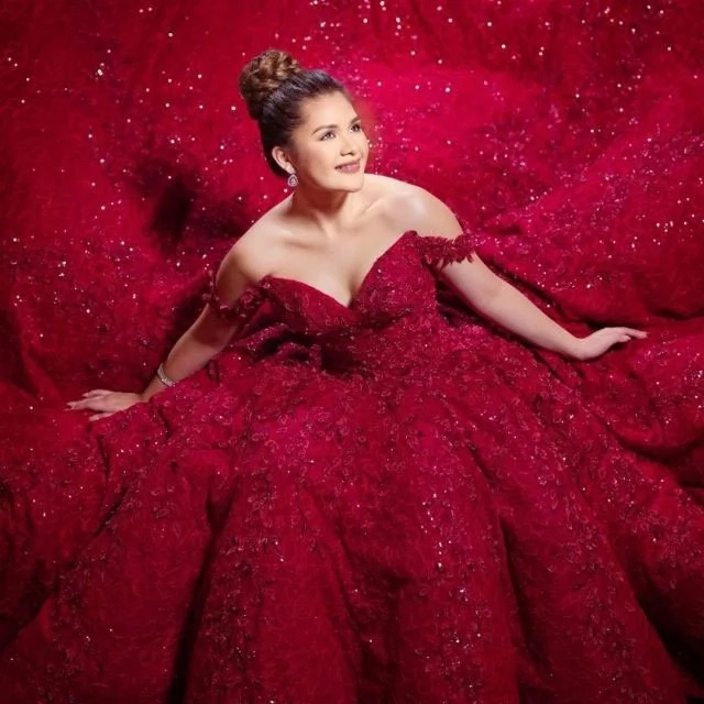 Isabelle Duterte's pre-debut gown is similar to Ai-Ai's prenup gown