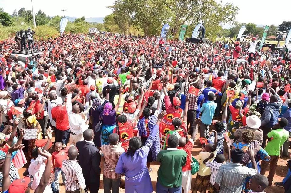 Jiunge na Jubilee, hakuna maziwa na asali NASA – Uhuru amwambia Kalonzo