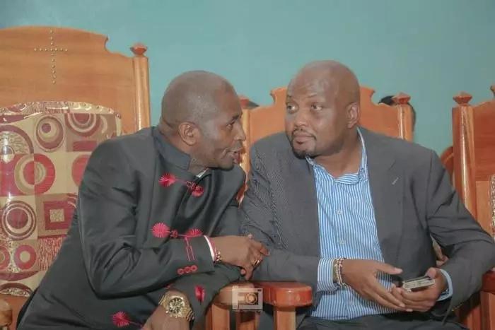 Hukumu ya kwenda kinyume na serikali ni kufa kwa kunyongwa – Moses Kuria amwambia Raila