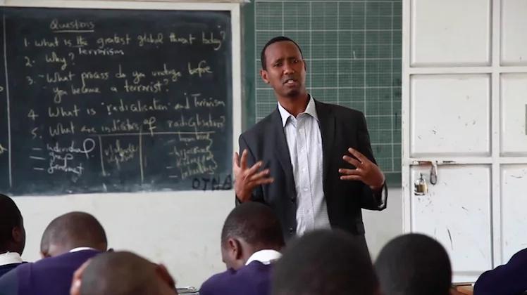 Sababu 8 za kuoa mwalimu Mkenya