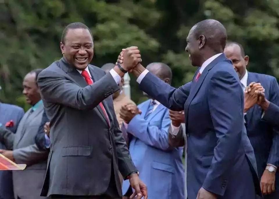 Wakenya wamwita Rais Uhuru Kenyatta MWONGO baada ya ujumbe wake wa TWITTER