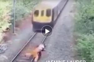 Nakakamangha! Stunning hero saves man from being crushed by speeding train