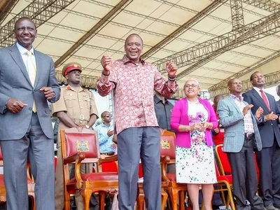 Crazy photos of Kenyans doing the Uhuru Kenyatta challenge