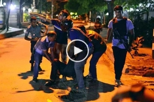 WATCH: Dhaka bakery hostage takers kill foreigners