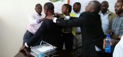Kiongozi wa walio wengi katika kaunti ya Murang'a afikishwa mahakamani huku wabunge wengine 6 wakisakwa na polisi kwa kuzua fujo