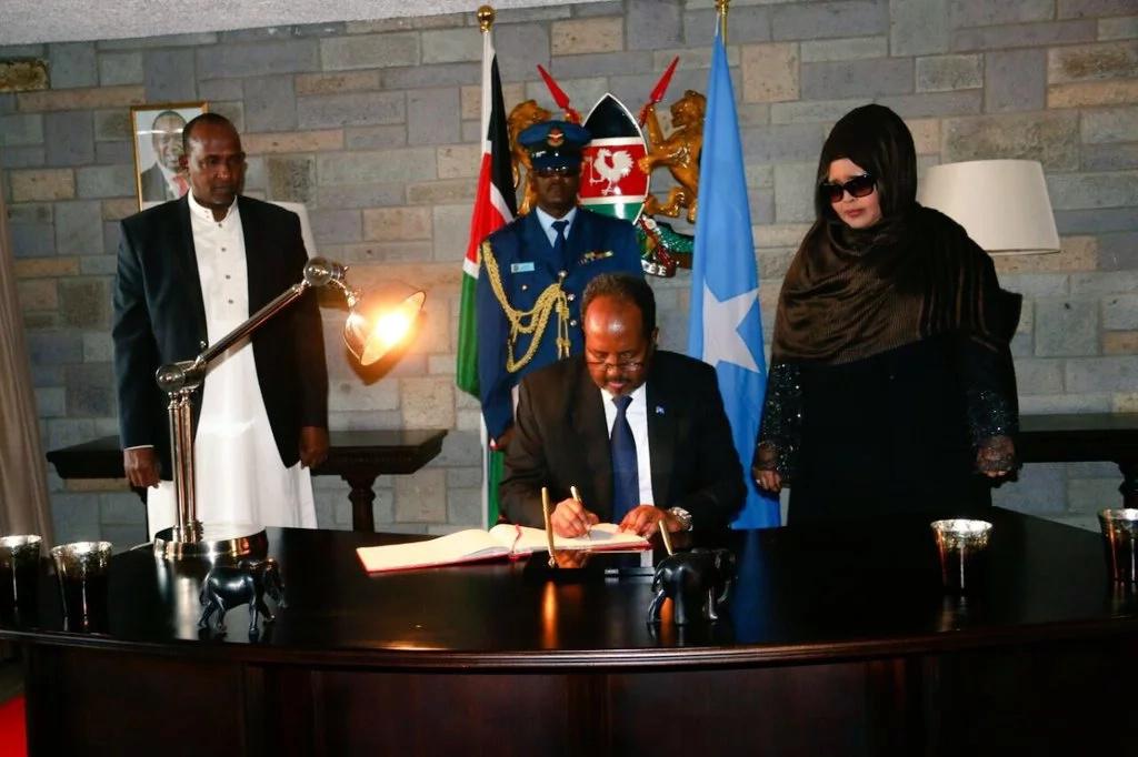 Aden Duale welcomes Somali president to Kenya