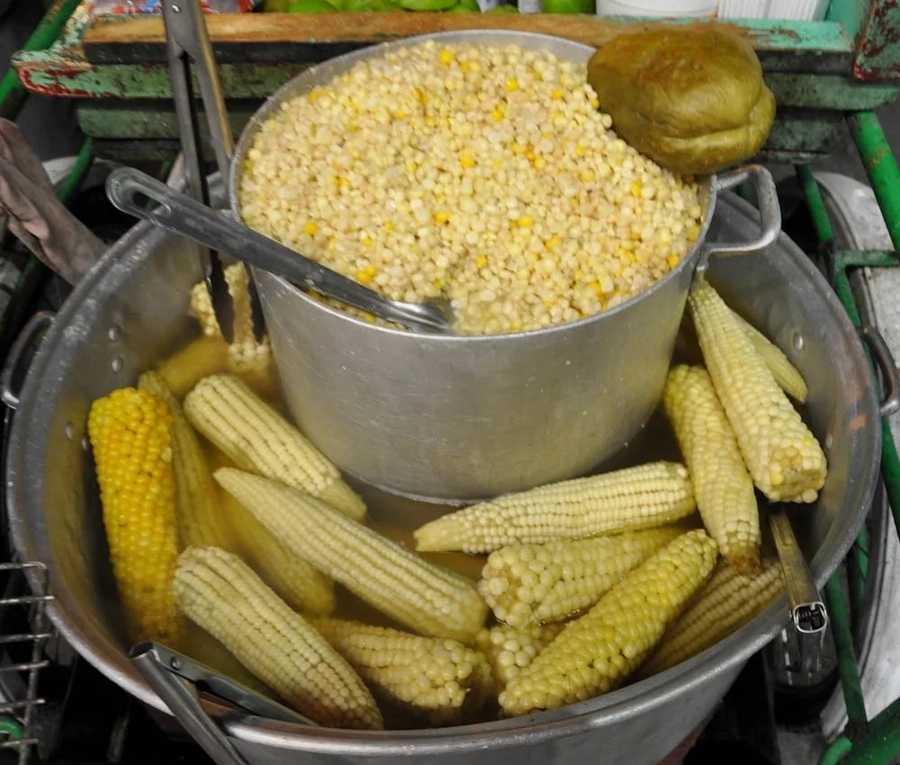 Check out this amazing traditional method for making boiled maize super soft using ash