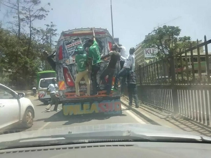 3 Gor Mahia fans die in a road accident along Mombasa road