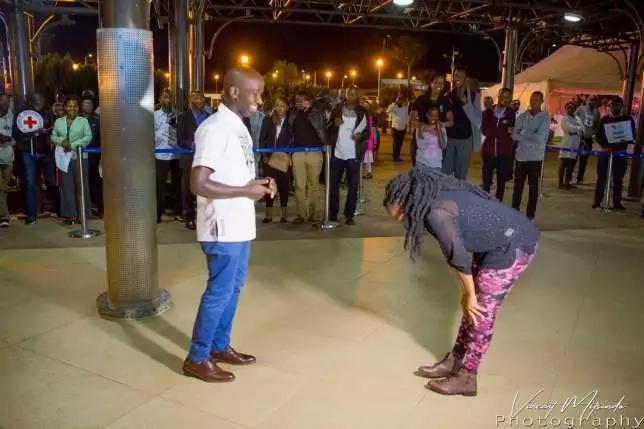 Mwanahabari wa NTV Laban Cliff Onserio apendekeza kumuoa mpenziwe kwa mahaba makuu, Ruanda