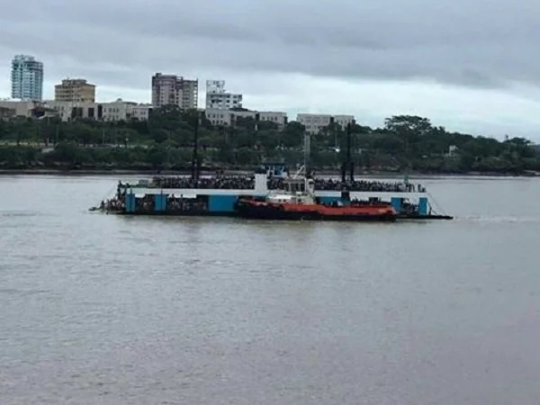 Ferry stops in Likoni with hundreds of commuters, starts drifting towards the deep sea