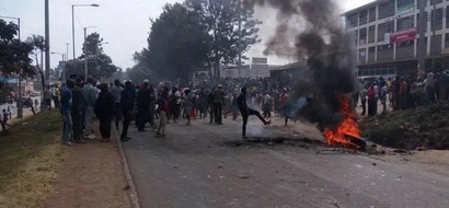 Kangemi residents demonstrate after DP William Ruto's order to fence land
