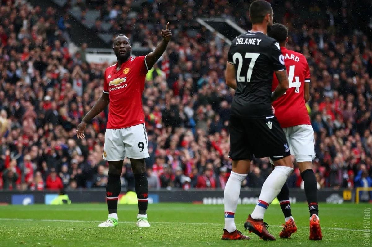 Man U star striker Lukaku hits back at H&M racist hoodie ad
